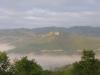 vista sul castello di Biscina di fronte a noi